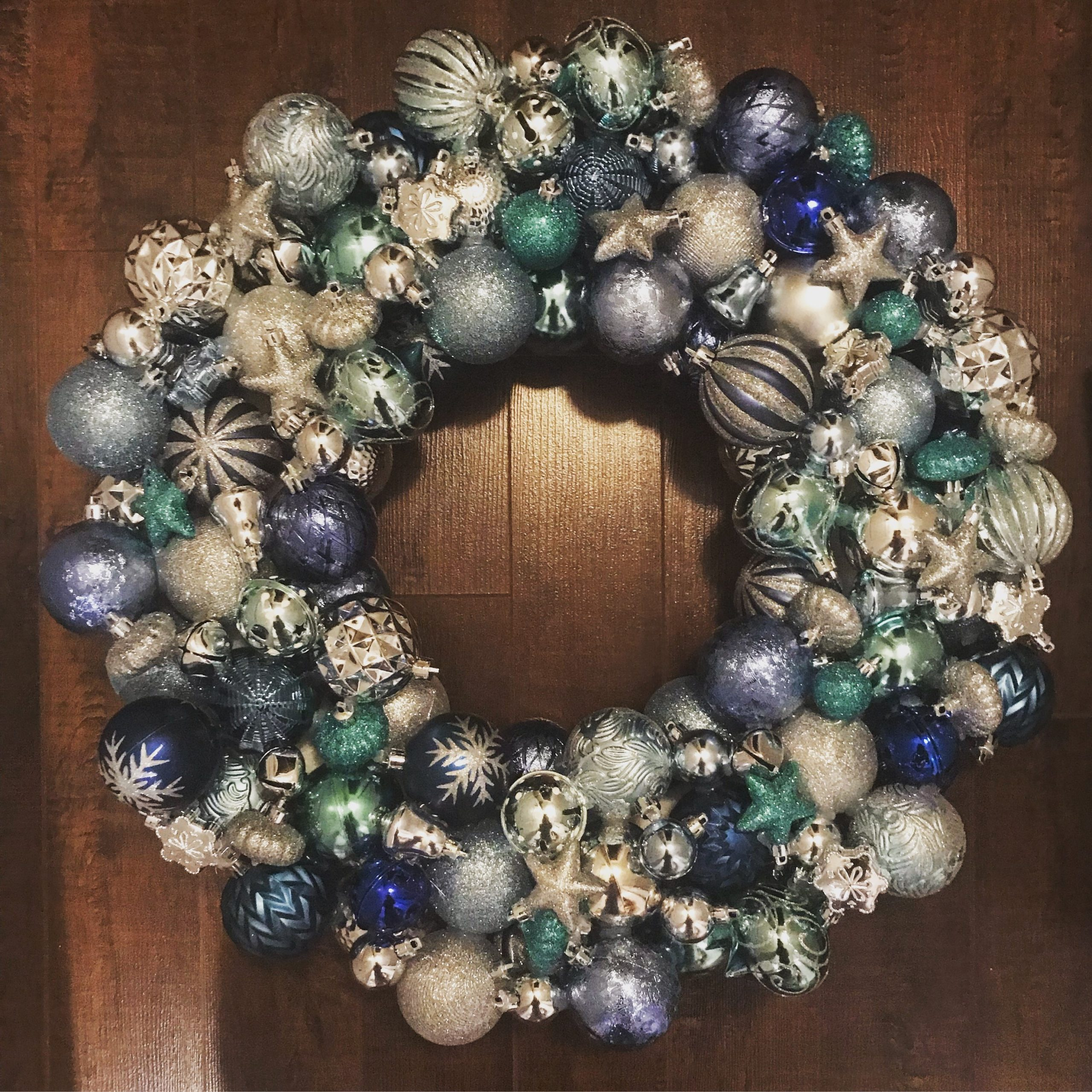 DIY Christmas Bulb Wreath